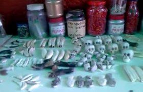 ביקור הרב חיים פוקס בשוק המכשפות במקסיקו (צילום: באדיבות המצלם)