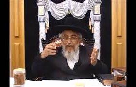 הרב יצחק רצאבי בשיעורו השבועי